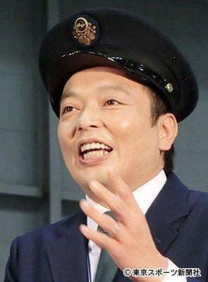 中川家礼二の嫁や同期芸人について!韓国人のものまねが面白い!