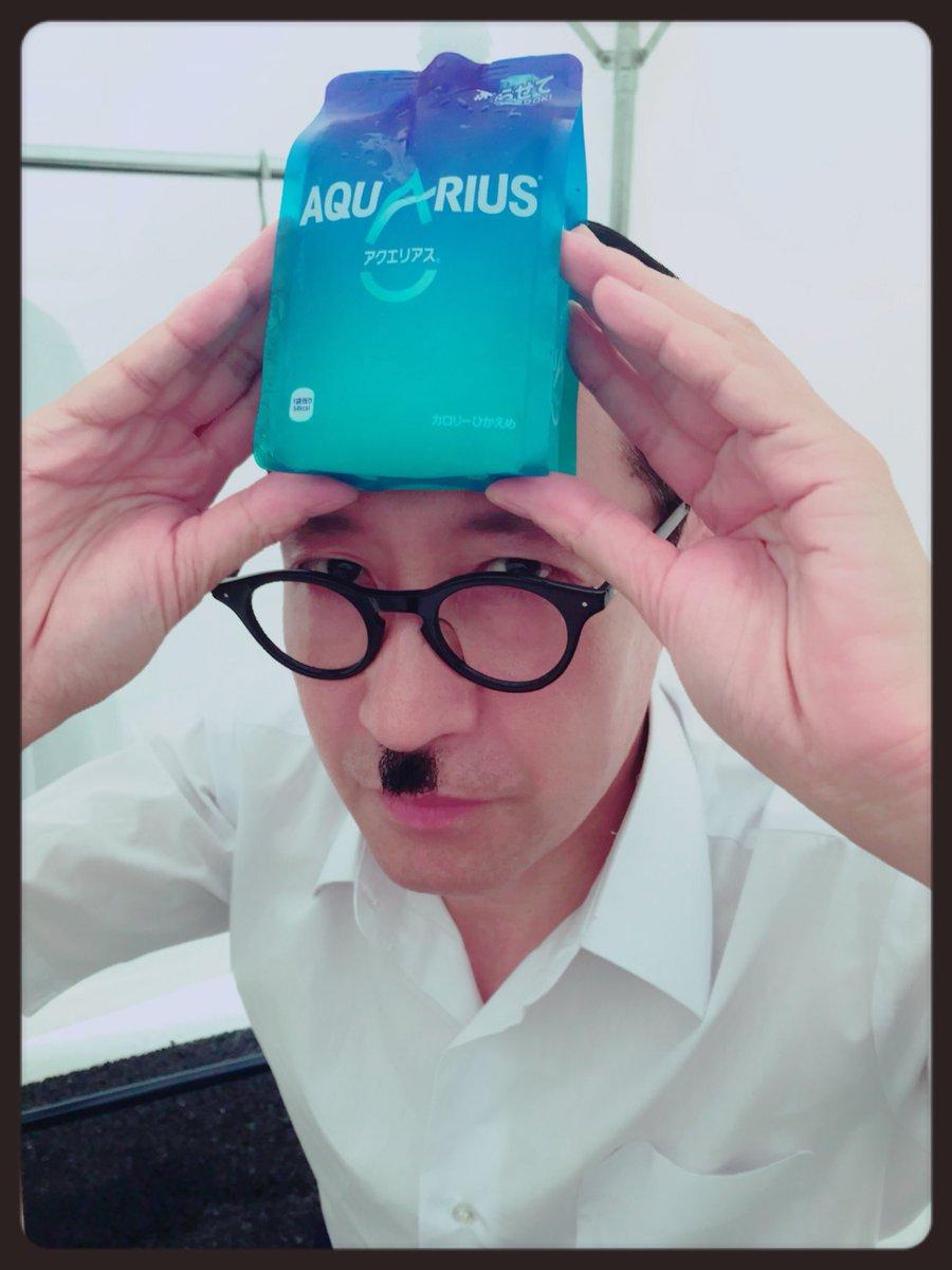 岩井ジョニ男のwiki!嫁やスーツと同期芸人は?タモリや乃木坂との関係は?